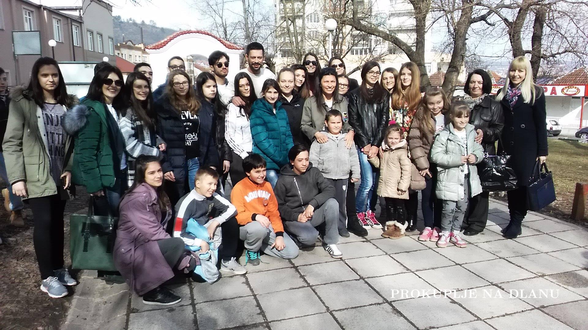 "ГЛУМЦИ ""ЗОНЕ ЗАМФИРОВЕ 2"" ДРУЖИЛИ СЕ СА ЋИЋКОВЦИМА"